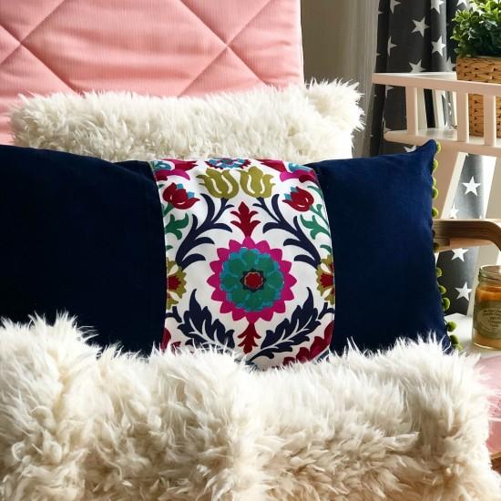 Dekoratif Yastık Kılıfı Şerit Ponponlu Suzani Desen