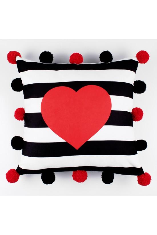 Kırmızı Kalpli Ponponlu Dekoratif Yastık Kılıfı